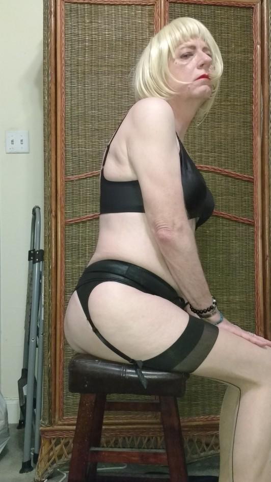 Proper posture like a nice lady
