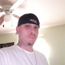 Hornywhiteboy34, Bi male (CD admirer) 35  Barberton Ohio