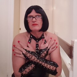 Clarissa09, CrossDresser 58  Yateley Hampshire