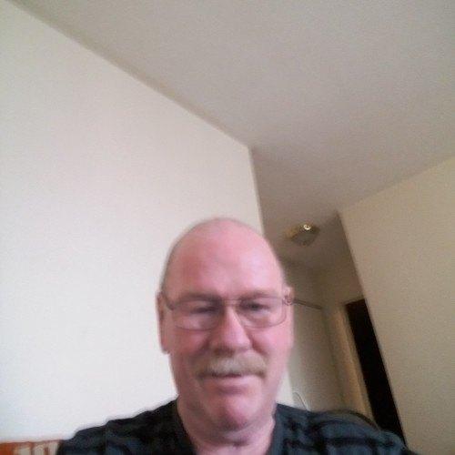 mitch52, Gay  (CDadmirer) 67  Hamilton Ontario