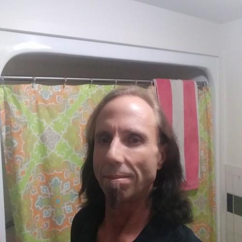 Larz, CrossDresser 45  Evansville Indiana