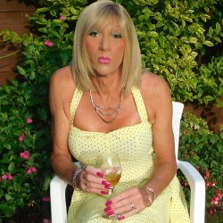 VickiNicole, CrossDresser 63  Worthing West Sussex