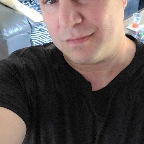 Jkirito76, Bi male (CD admirer) 44  Southampton New York