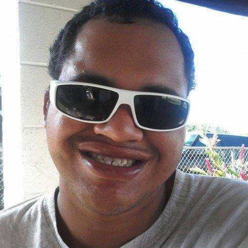 Big_bree, Bi male (CD admirer) 23  Honolulu Hawaii