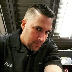 rickwantspizza216, Male (CD admirer) 45  Berea Ohio