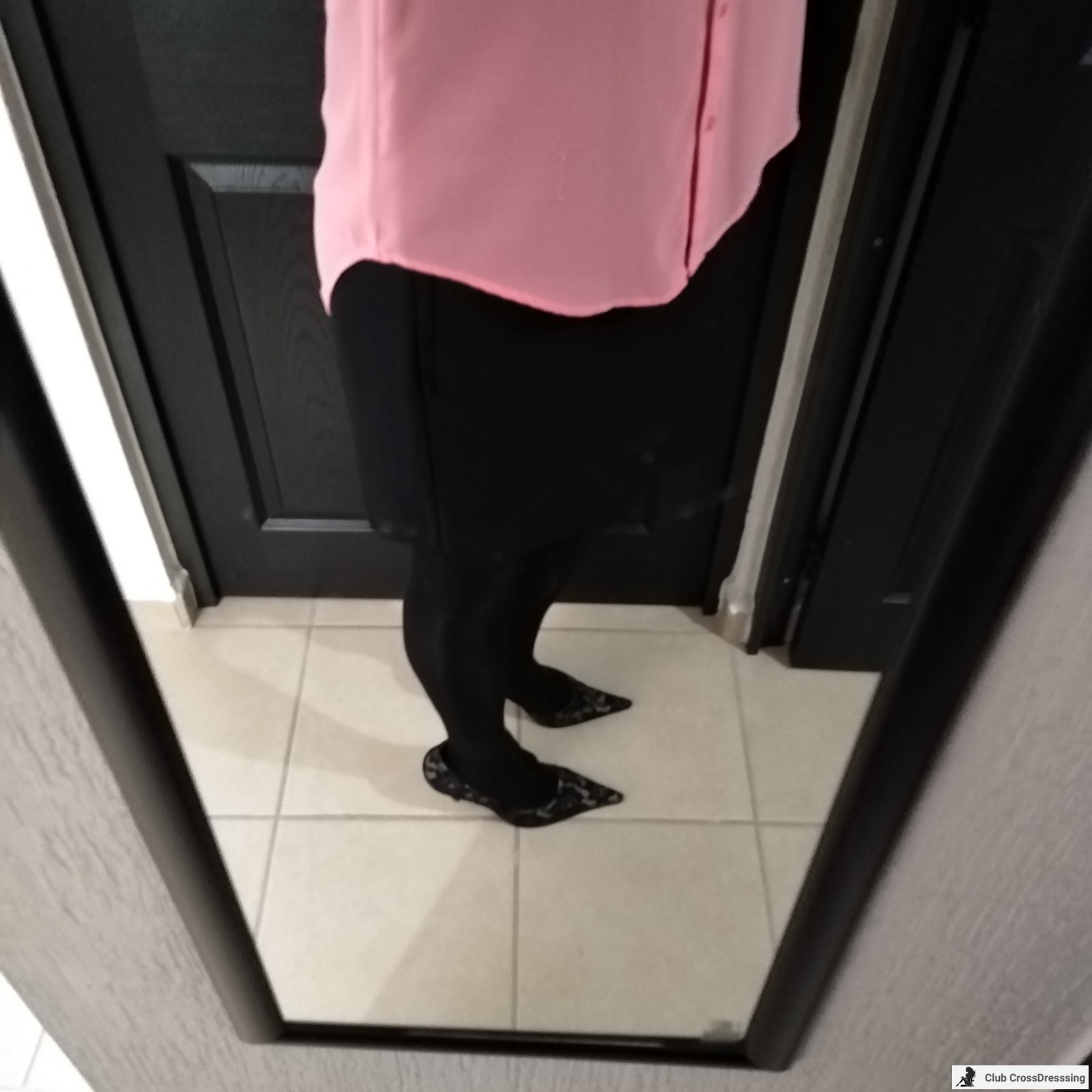 Some pink and black, Isn´t it pretty?