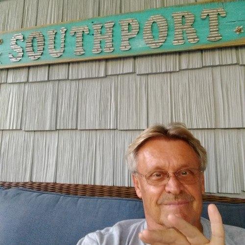 Makefun, Bi male (CD admirer) 64  Southport North Carolina