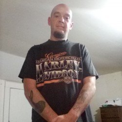 Kinkyduo69, Bi male (CD admirer) 39  South Fulton Tennessee